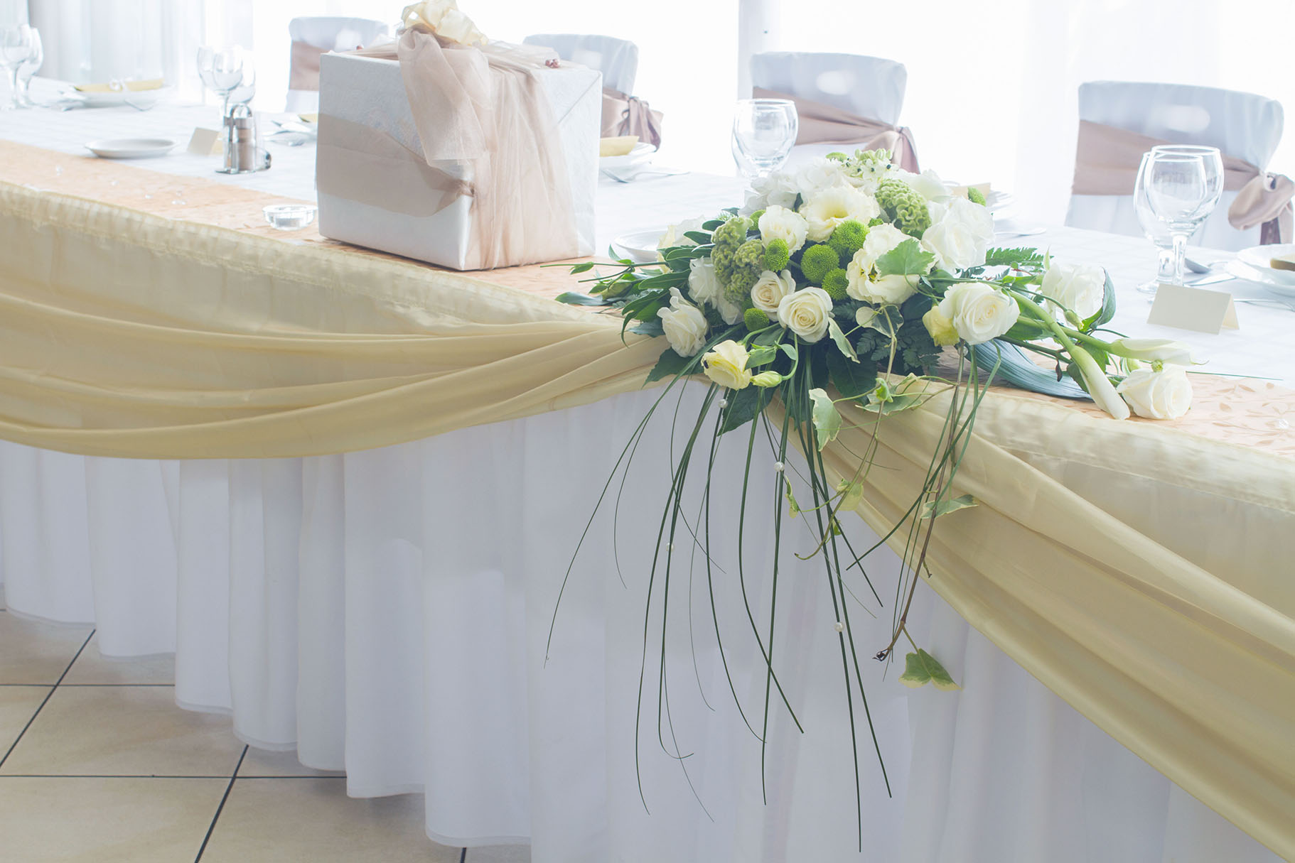 Tablecloths Napkins Are The Event Necessity For Comfortable Dining