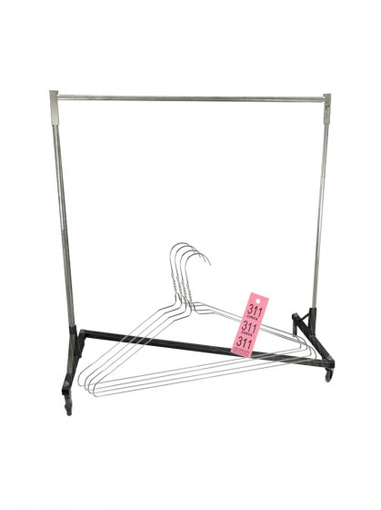 Garment_Rack_wit_4cdc7097a599d.jpg